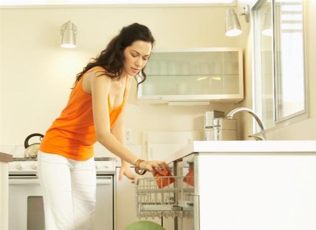 Etiketli Eşyalar:   Üzerinde etiket veya yapıştırıcı bulunan, konserve kavanozu gibi bulaşıklar ise yapıştırıcı içerikleriyle makineye zarar verebilecekleri için bulaşık makinesinde yıkanmamalıdırlar.
