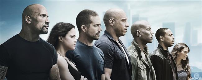 The Fate of the Furious – Hızlı ve Öfkeli 8 (13 Nisan)  Suça bulaşmış olan ekip artık sakinleşmiş ve suçtan uzak bir hayat yaşamak istediklerine karar vermişlerdir. Dom ve Letty evlenip balayına giderlerken Brian ile Mia da emekli olmaya karar vermiştir. Dünya turu yapan ekip her ekip üyesinin temize çıkmasıyla birlikte normal hayatlarına geri döner. Ancak, gizemli bir kadın olan Chiper, Dom'u hedef almış durumdadır. Dom'u tekrar suça bulaşmaya ikna eden Chiper, Dom'u sevdiği ve güvendiği insanlardan da ayıracaktır. Artık Dom'u durdurmanın tek yolu ekibin geri kalanının onun peşine düşmesidir... Sinema tarihinin en uzun soluklu film serilerinden biri olmaya aday Fast and Furious / Hızlı ve Öfkeli filmlerinin sekizincisi 2017 yılında vizyona girecek. Yönetmen koltuğunda bu sefer F. Gary Gray'in oturduğu yapımın oyuncu kadrosunda Vin Diesel , Dwayne Johnson, Jason Statham, Lucas Black ve Kurt Russell isimlerinin yer alması bekleniyor.