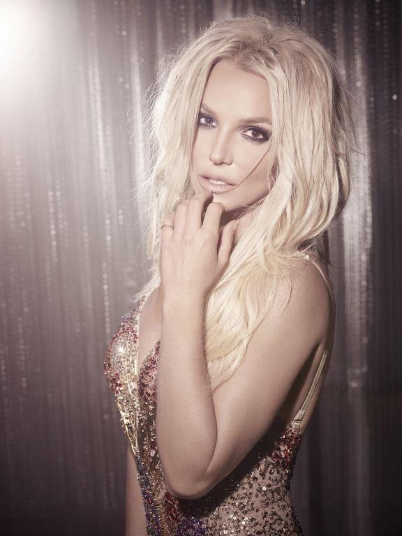 Britney Spears  Amerikalı pop müzik starı, oyuncu ve dansçı Britney Spears 21 nci yüzyılın en iyi kadın şarkıcısı seçildi. 500 milyon dolarlık servetiyle Britney'in tam bir mavi lens tutkunu...