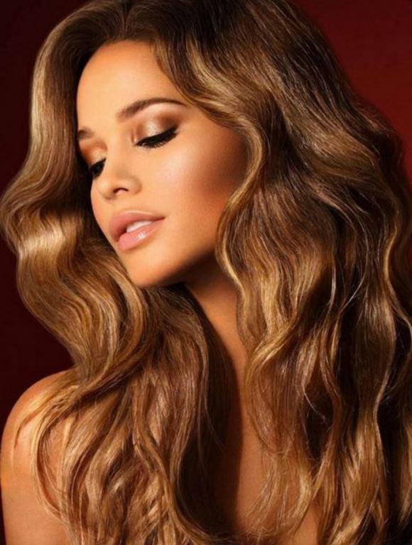 Bronz  Esmer ve kumral renk geçişleri ve hareketli bir saç kesimi tüm dikkatleri üzerinize çekmenize sebep olacak!