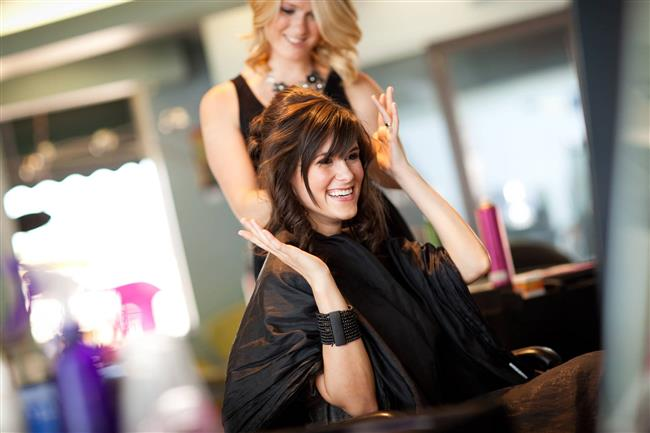 16. Yine kadınlar 1.5 senesini saç yaptırmaya ayırıyor.