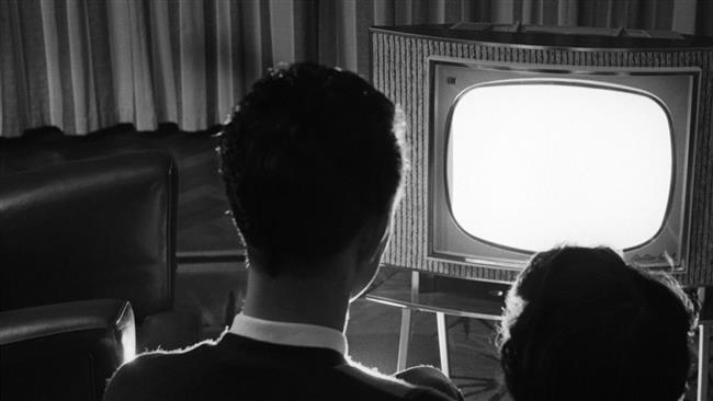 3. 9 yıl televizyon seyrediyor.