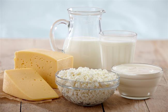 Süt ürünleri, kafein, yüksek yağlı gıdalar, şarküteri ürünleri, et, alkol ve çikolata, peynir.