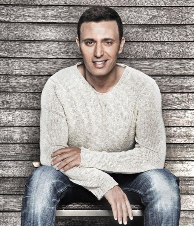 Mutlu Son    Şarkıcı Mustafa Sandal, Gülben Ergen'i kendisine ait olan ''Şıkır Şıkır'' şarkısını izinsiz albümüne alması nedeniyle mahkemeye verdi. İkili bir süre sonra canlı yayında barıştı.