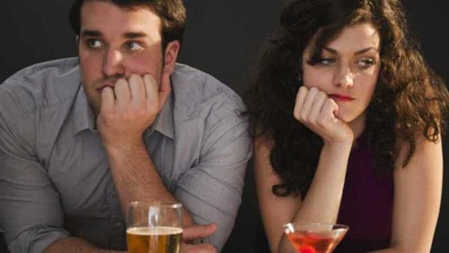 Erkekleri ilk buluşmada ele veren beden dili işaretleri nelerdir? Hepsi haberimizde!