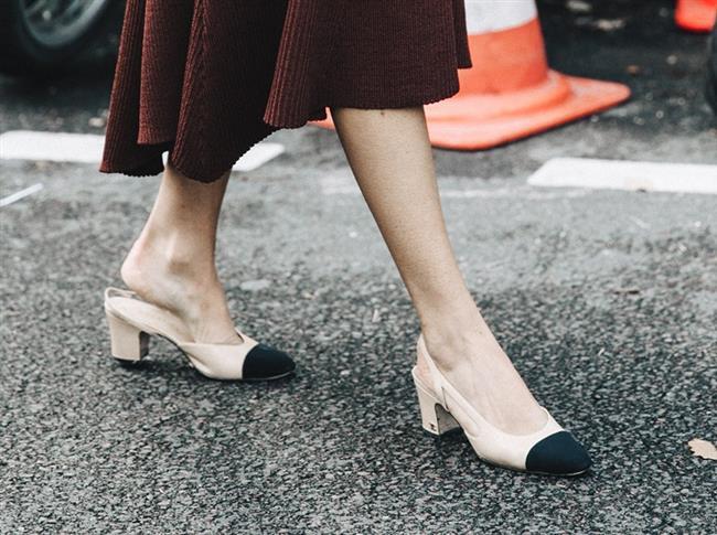 Son birkaç sezonun yükselen trendi olan blok topuklu ayakkabılar  2017 İlkbahar - Yaz sezonunda da oldukça ses getiriyor.