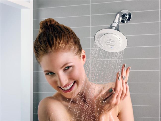 """Okula veya işe gitmeden önce sabahları duş almak, uykudan uyanarak duşa girmek vücudunuzu tazeler. Bunun için kalktığınızda ilk işiniz gece vücudunuzun yataktaki sıcaklıktan ötürü salgıladığı teri ve yağı üstünüzden atmak, mis gibi kokmak olsun.  <a href=  http://mahmure.hurriyet.com.tr/foto/guzellik/bunlari-yaparken-cildinize-zarar-veriyorsunuz_41822  style=""""color:red; font:bold 11pt arial; text-decoration:none;""""  target=""""_blank""""> Bunları Yaparken Cildinize Zarar Veriyorsunuz..."""