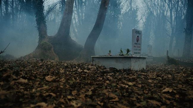 Issız Cuma Mezarlığı  Çanakkale'nin Yenice ilçesine bağlı Seyvan ve Çakıroba Köyleri arasında bulunan ''Issız Cuma'' cami mezarlığına defnedilen bir anne ve bebeğinin birbirinden ayrı yapılan mezarları, iddialara göre her seferinde yeniden birleşmiş.