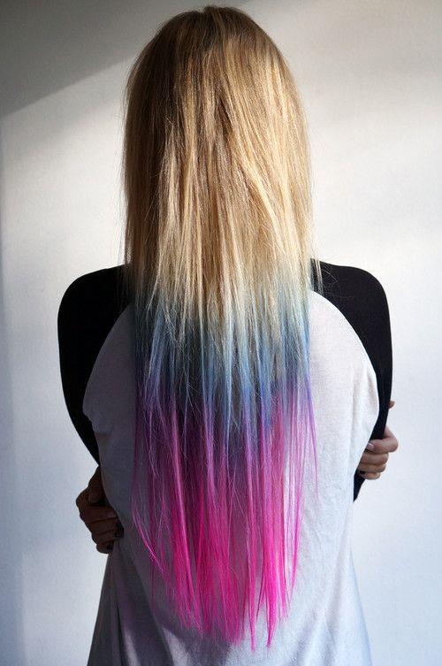 Saç renginden bir kaç ton açık bir renk özel bir yöntemle saç uçlarına uygulanır ve doğal bir görünüm elde edilir. Fakat ombre saç modelleri sadece doğal şekillerde değil farklı renklerle de güzel sonuçlar yaratabileceğiniz bir teknik.