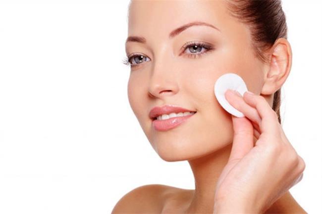 Makyaj Temizleme  Saç kremi, makyajınızı çıkarabileceğiniz ucuz ve zararsız bir yardımcı olabilir.
