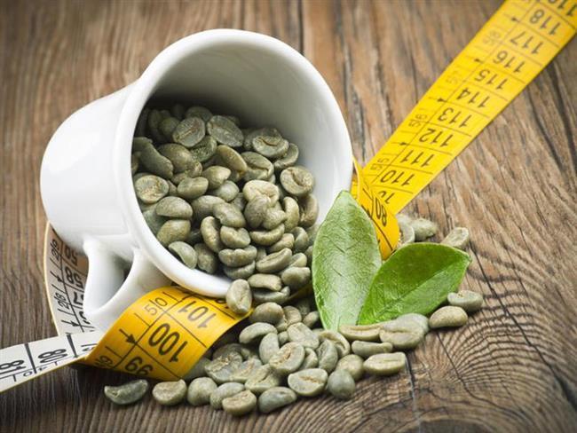 • İçeriğindeki kafein ve klorojenik asit sayesinde, yağ yakımını hızlandırır ve bu sayede de zayıflamaya yardımcı olur. • Bazal metabolizmayı hızlandırır. Kalori yakımını hızlandırır ve kilo verme sağlar.   Beyaz Lahana Zayıflamaya Yardım Ediyor!