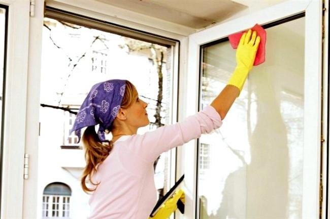 """Camları silmek büyük bir dert olsada bu size 20 dakikada 77 kalori yaktırır, üstelik kol ve omuz kaslarınızın da çalışmasına yardımcı olur.  <a href= http://mahmure.hurriyet.com.tr/foto/diyet-fitness/gobek-eriten-10-hareket_34386 style=""""color:red; font:bold 11pt arial; text-decoration:none;""""  target=""""_blank"""">Göbek Eriten 10 Hareket İçin Tıklayın!"""
