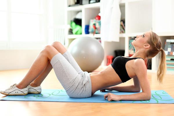 Aksi takdirde yapılan egzersizlerin etkisi olmayacaktır.  Galerimize devam ederek etkisi  son derece yüksek 5 adet göğüs büyütücü egzersizi görebilirsiniz!