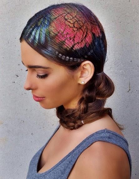 Graffiti Saç Nasıl Yapılır?  Bu saçı yaparken saçınızın temiz olmasına özen gösterin. Boyanın daha düzgün durmasını sağlayacaktır.