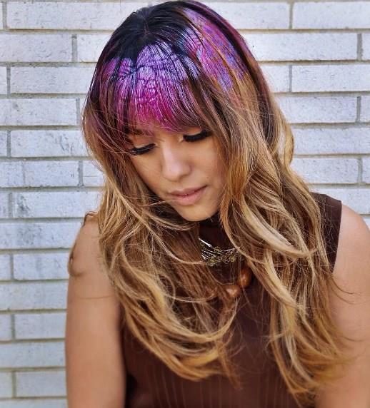 Saçınıza ister direk olarak boyayı sürün. İsterseniz de şablonlar yardımı ile istediğiniz şekilleri verin.