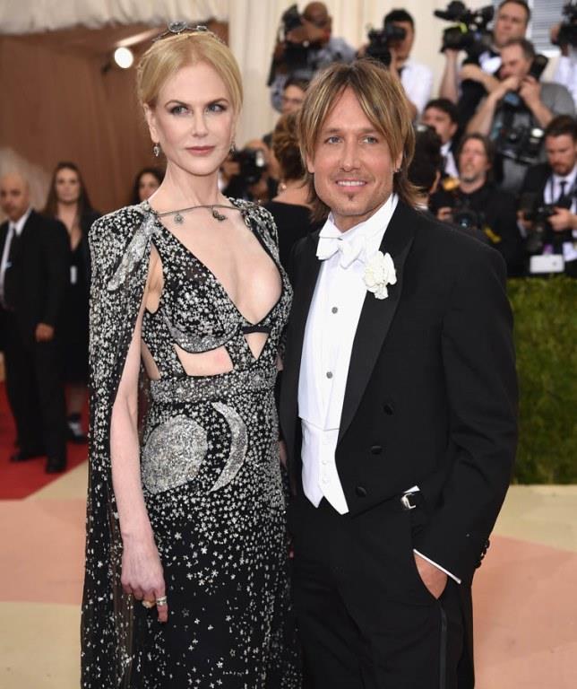 Nicole Kidman, 180 cm'lk boyuyla eski eşi Tom Cruise'dan da, 2006 yılından beri evli olduğu 177 cm boyundaki müzisyen Keith Urban'dan daha uzun.