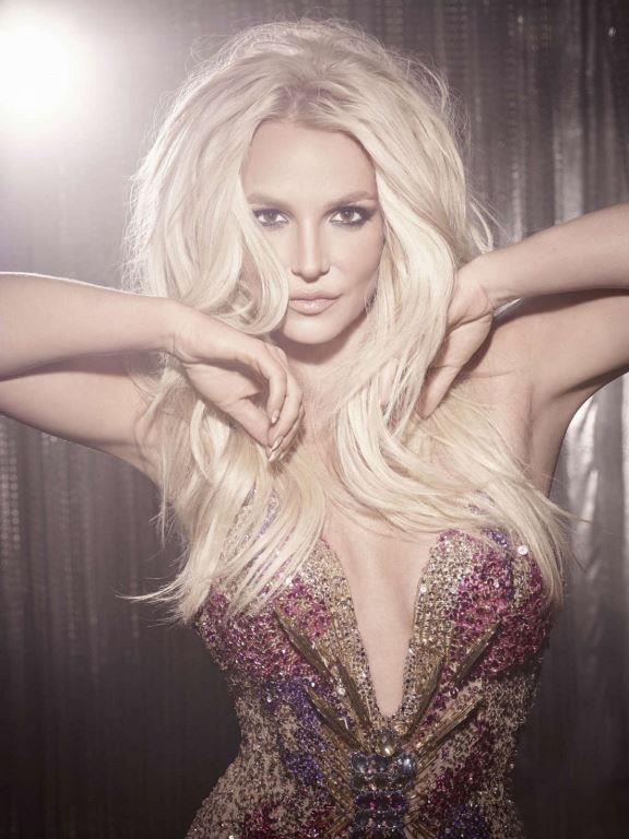 Britney Spears  Gazetecilere kızı için üzüldüğünü, herkesin onun için dua etmesini istediğini söylen Lynee Spears, kızına destek olmak yerine çoğu zaman köstek oluyordu. Torunlarının velayetiyle ilgili davada Britney'i değil eski damadı Kevin Federline'ı desteklemesi de bunun kanıtı olarak gösterildi.