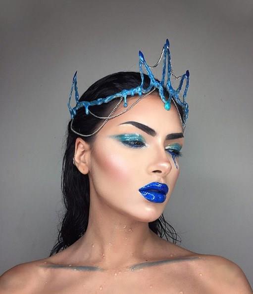 Burçların sembollerinden yola çıkarak makyaj yapan genç kadın, bu fotoğrafları Instagram hesabından paylaştı.   İşte en makyajlı halleriyle burçlar!