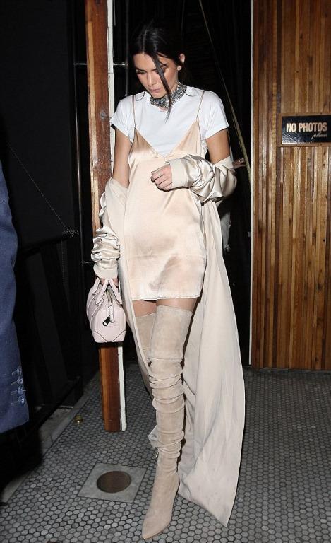 Kylie ve Kendall Jenner kardeşlerinde hızlı bir şekilde uyguladığı bu stili kendinde uygularken onlardan ilham alabilirsin.