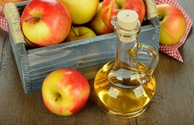 2 kaşık elma sirkesi  1 bardak su   Sindirimi kolaylaştırmak ve kötü kokulara neden olan  bakterileri öldürmek için elma sirkesi ve suyu karıştırıp her gün yemeklerden sonra için.