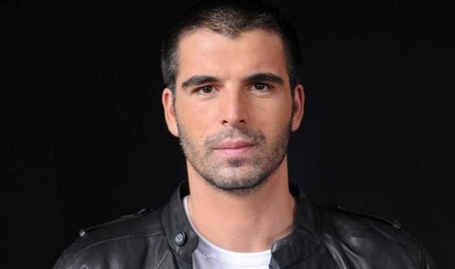 Mehmet Ali Alakurt  Cansu Dere'yle başrolünü oynadığı 'Sıla' dizisiyle milyonları kendisine hayran bırakan Mehmet Akif Alakurt oyunculuğu bıraktı. Brezilya'dan bir çiftlik alıp oraya yerleşen ünlü oyuncu birdaha oyunculuk yapmayacağını açıkladı.