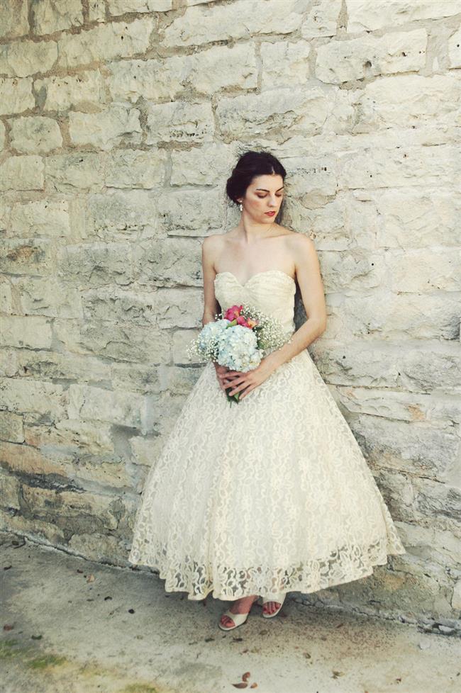 vintage_wedding_dress_bridal_gown_inspiration_from_etsy_1950s_tea_length.full.jpg