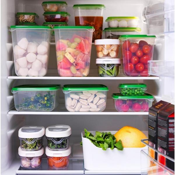İçerisine pişmiş yemek konularak buzdolabında kaplar, yemeğin içerisine farklı maddeler karışmasına neden olur