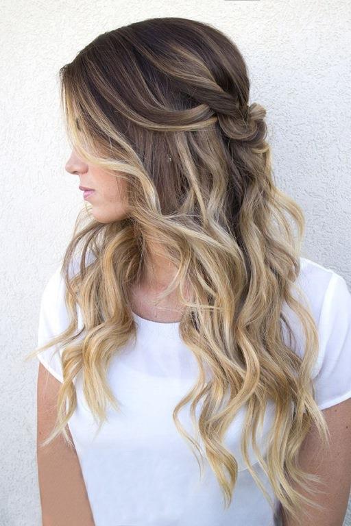 Özellikle kalın dalgalı saçlarda daha etkili sonuçlar verir.