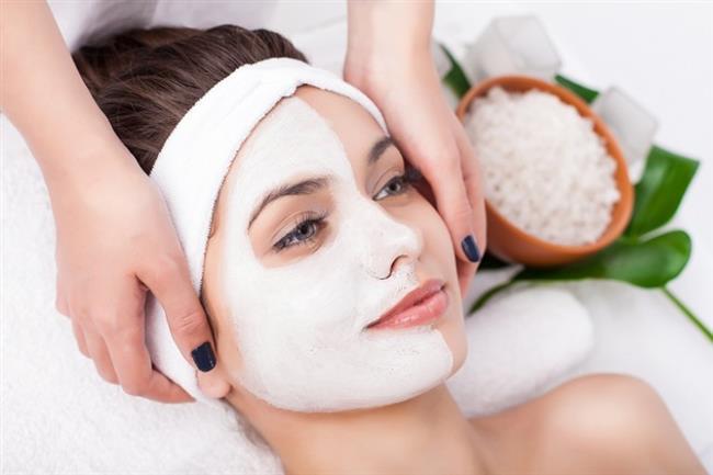 Cilt bakımı yapılmadan ve kışın cilde verdiği hasarlar (kuruluk ve çatlaklık gibi) giderilmeden bahar makyajına geçilmesidir.
