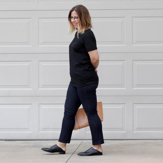 Sokak kültürümüzde erkeklerde görmeye alışık olduğumuz ayakkabı türü, yurt dışı için bir yenilik olarak algılandı ve moda editörlerinin beğenisini topladı.