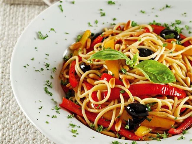 Bu pankreas diyeti gıdalarını tüketmek, pankreasın hastalığını giderme ve onun görevini daha iyi yerine getirmesine yardımcı olacaktır.Salata, Yulaf ezme, Spagetti yemeği, Pirinç, Patates, Tatlı patates, Soyadan yapılan peynir, Yoğurt, Kırmızı şarap, Taze meyve suyu, Sebze suları ve çorbaları, Tahıl, Ekmek, Tüm tahıl ürünleri,  Kahverengi pirinç, Piliç, balık Yalın, Soya sütü gibi ürünleri kullanabilirsiniz.