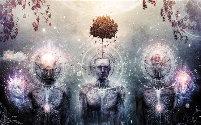 İçe yönelim anlamı taşıyan ezoterizm; bir konuda önemli ve gizli bilgilerin üstat tarafından öğretilmesidir. Ezoterizm kaynağını da hiç bir dinden almaz. Astroloji ne bir din ne de bir inanç sistemidir yani astroloji ' ezoterik ' bir konudur. Astroloji diğer ' ezoterik ' bilimlerle içli dışlıdır.