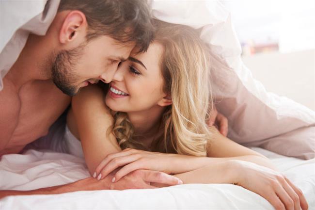 Seks sonrası kadınların çok konuşmalarınıni sebebi orgazm sonrası beynin salgıladığı ve mutluluk hormonu olarak da bilinen oksitosindir.