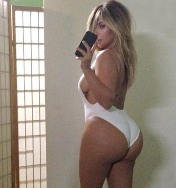 Sosyal medya, kendi akımlarını yaratmaya devam ediyor. Son dönemde 'Selfie' modasından sonra başka bir akım popülerliği başladı: 'Belfie'.