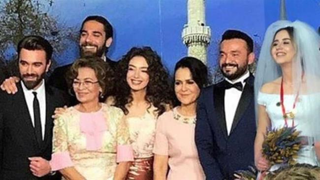Kadir ve Kemal Doğulu'nun kız kardeşleri Asuman, bir süredir birlikte olduğu Serdar Turhan ile evlendi.