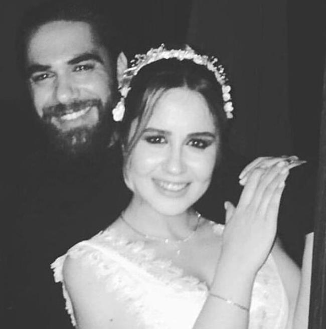 Doğulu ailesi ardından düğün töreni için Taksim'deki Mr Cas Hotel'e geçti.