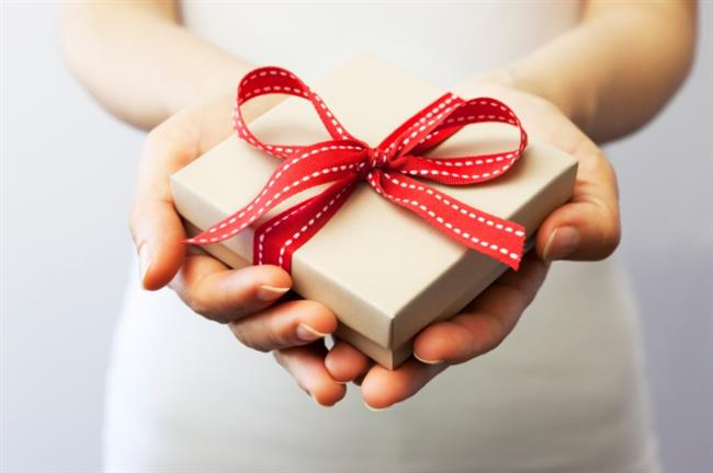 Başak Burcu Anneler   Başak burcu annelere kesinlikli kişisel olarak kullanabileceği hediye alın. Saat, elbise, çanta gibi hediyeler alabilirsiniz.   Hangi Burcu Nasıl Mutlu Edersin?