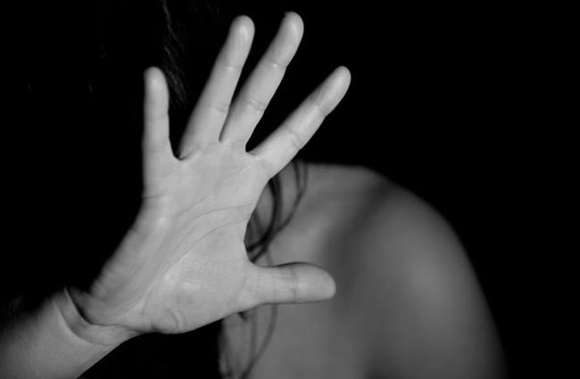 6-Cinsel taciz, tecavüz ve travma cinsellikten tiksindiriyor  Başta cinsel tiksinti, vajinismus olmak üzere bazı cinsel işlev bozukluklarında cinsel şiddete maruz kalma öyküsüne sıkça rastlanıyor. Cinsel travmalar tacizcinin yakınlık derecesi, olayın rıza olmadan, şiddet kullanılarak gerçekleşmesi, tekrarlama sıklığı gibi etkenlere bağlı olarak cinsel yaşamı önemli oranda bozabileceği gibi diğer ruhsal sorunlara ve kişilik gelişiminde bozukluklara da yol açabiliyor.