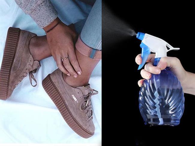 Süet ayakkabılarınızı su geçirmez sprey ile koruyabilirsiniz.