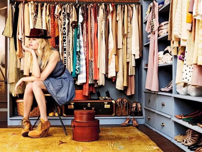 Düzenli Dolap Dolabınız karışık olursa hangi kıyafetlere sahip olduğunuzu unutabilirsiniz. Kıyafetlerinizin ütüsünün bozulmaması içinde bu önemli bir konudur.