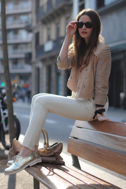 Mağazalarda hangi kıyafetin neyle kombinlendiğine de dikkat etmeniz sizin hayrınıza olacaktır. Bu sayede aklınıza yepyeni kombin fikirleri gelebilir.