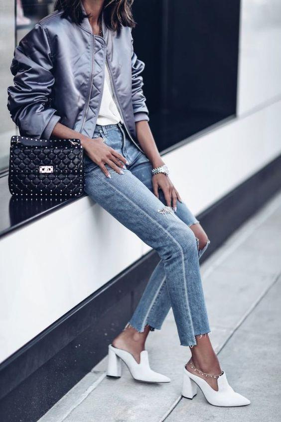 2017 İlkbahar-Yaz sezonunda yükselişe geçen terlik modası topuksuz ve maskülen modellerin yanı sıra topuklarla feminen bir görünüm kazanıyor.