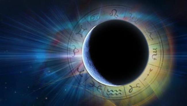 • Bu yıl Mayıs ayındaki Süper Yeni Ay'ın ardından Haziran ayında başka bir Süper Dolunay izlenecek. Bu ayki Güçlü enerjinin önümüzdeki birkaç hafta içinde yaşanacakların yoğun hissedilmesi anlamına geliyor. Ay, duygularımızın derinliğinden ve nasıl hissettiğimizden sorumludur. Dolunay ve Yeniaylar, bilinmeyenler üzerinde egemenlik kurar ve bilinçaltımızda saklanan her şeyi yüzeye çıkarır.   Bu bazen kendimizle restleşmede olabilir ve aynı zamanda zihnimizdeki en derin noktalarda değişiklikler yapmamıza karşın bizi zorlayabilir. Geleceğinize yönelik planların merkezinde kendinizi yerken tüm olasılıklar artık gün yüzündedir. İlerleme yapmak için yeni ve yaratıcı yollar ararken eski alışkanlıklar, davranışlar ve inançlar sorgulanabilir. Bunların sorgulanması ile birlikte artık mecburi dönüşüm yerini alır.