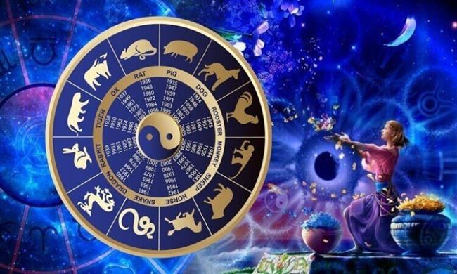 Çünkü korku nedeniyle kişinin tutunacağı sahte bir güven gerçek bir meydan okuma ile yüz yüze kaldı mı çöker.  İnsanız nede olsa. Cesaret demek bu korkuları hissetmenize rağmen ilerlemeyi sürdürmek demektir. Cesaret korkunun yokluğu değil, korkunun içinden yürüyüp sizin için önemli olan amacı kovalamaktır. Astrolojinin buradaki yeri ise çok kıymetlidir. Çünkü deneyimlerimizi şekillendiren evrensel kanunlar hakkında gerçek ve güvenilir bilgiyi keşfetmeye yönlendirir. Şuan bu yazıya zaman ayırıp okuduğunuz için ise bir adım öndesiniz diyebiliriz. Haydi, o zaman göğsünüzü gere gere mücadele edebilirsiniz. Unutmayın Korkularınızın öteki tarafında talihinizi keşfedersiniz.  Keyifli bir yeniay süreci dilerim. Bu sefer olacak! O zaman kahveler sizden…