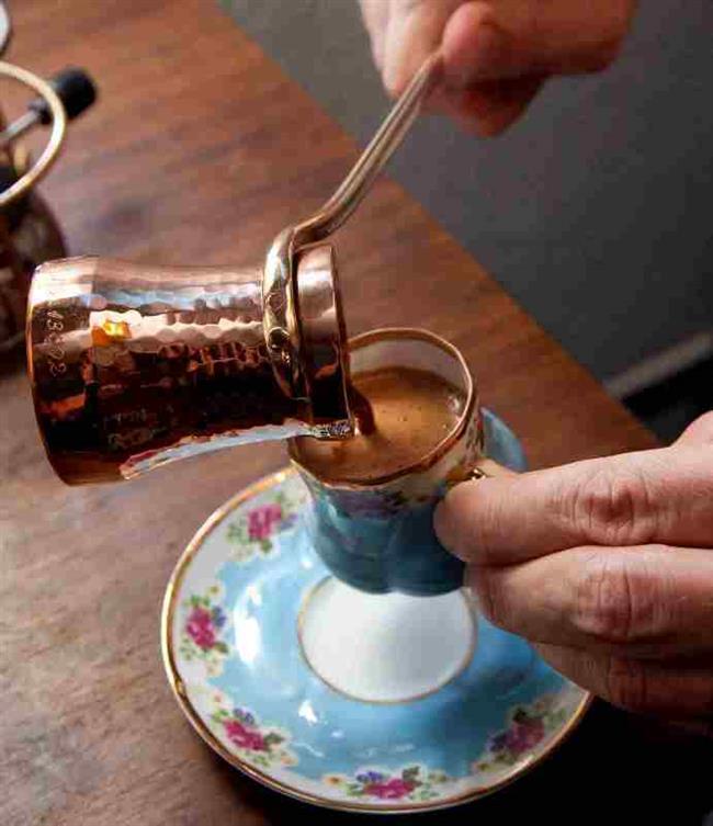 Cezve Temizleyici  Kabartma tozu kahve cezvelerinin temizlenmesi için mükemmel bir araçtır. Kabartma tozunu su ile cezvenin içine dökün. Birkaç dakika sonra cezve tertemiz olacaktır.