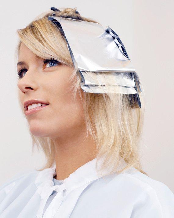 Unutmamanız Gereken Bazı Noktalar!  Saçınıza röfle işlemi uygulamadan önceki gün saçınızı iyice nemlendirin. Böylece saçınızı uygulayacağınız kimyasal işlemden koruyabilirsiniz.  Eğer saçınız yakın zamanda çok fazla işlem gördüyse, güçlü bir kimyasal yapısı varsa ya da çok koyu renkteyse röfle işleminin kuaför salonlarında yapılması daha uygun olabilir.