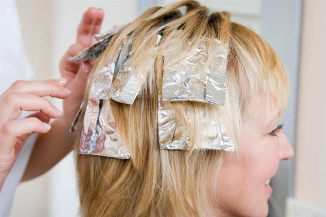 Uygulamayı tüm saçınıza yapmadan önce görünmeyen küçük bir kısımda deneyerek oluşabilecek çok kötü bir renkten kendinizi koruyabilirsiniz.  Bir arkadaşınızdan yardım isteyerek saçlarınızın arkasına da uygulamada bulunabilirsiniz. Kaynak:Onikibilgi