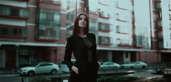 """Blazer Ceketler  Vücuda tam oturan bir blazer ceket her kadının dolabında bulunması gereken bir parça. Hem kusurları kapatır, hem de kıvrımlarınızı ve vücut şeklinizi vurgular.   <a href= http://mahmure.hurriyet.com.tr/foto/moda/vucut-tipinize-gore-ne-giymeli-ne-giymemelisiniz_41598 style=""""color:red; font:bold 11pt arial; text-decoration:none;""""  target=""""_blank"""">Vücut Tipinize Göre Ne Giymeli Ne Giymemelisiniz?"""