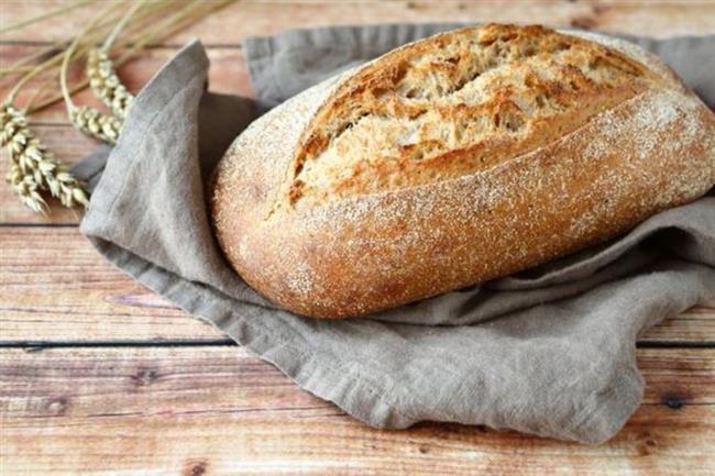 """Tam Tahıllı Ekmek  Uzun süre yemek yenilmediği ve oruçlu olunan saatlerde hareket olabildiğince az olduğu için ramazan ayında kabızlık problemleri sıklıkla karşılaşılan bir problemdir. Bu problemi yaşamamak için lif içeriği yüksek tam tahıllı/tam buğday/çavdar ekmekleri, tam buğday unundan hazırlanmış krep, gözleme, poğaça tüketilebilir.  <a href= http://mahmure.hurriyet.com.tr/foto/saglik/sag-omuzdaki-leptin-hormonuyla-tok-kalabilirsiniz_41908 style=""""color:red; font:bold 11pt arial; text-decoration:none;""""  target=""""_blank"""">Sağ Omuzdaki Leptin Hormonuyla Tok Kalabilirsiniz!"""
