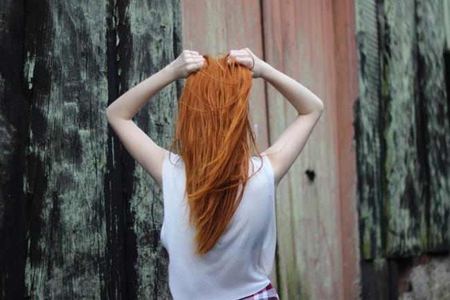 Saçlarınızı yıkadıktan sonra kremleme sırasında bu karışımı kullanın, saçlarınızı durulamadan banyodan çıkın.